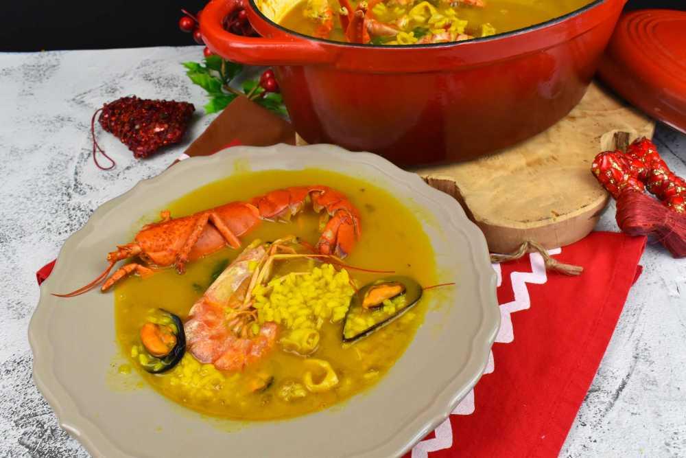 caldereta de arroz caldoso de marisco y bogavante