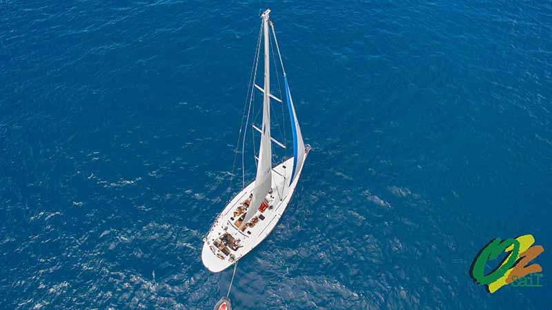 mandrake Whitsundays sailing on the ocean