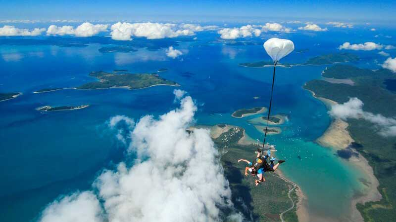 skydiving free fall over the whitsunday islands