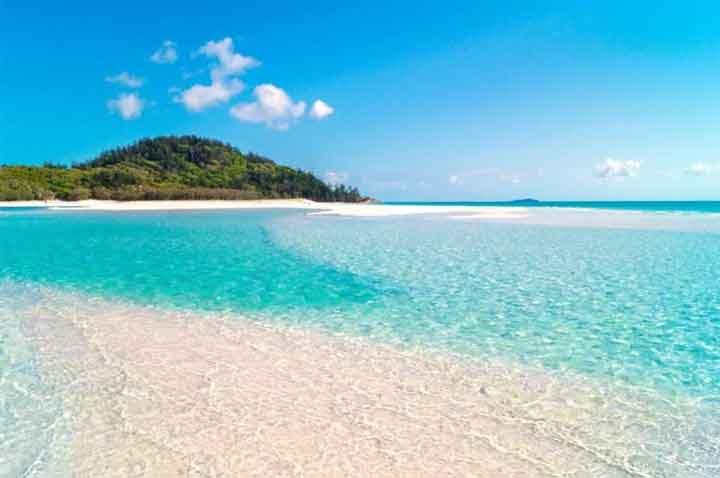 Whitehaven Beach in The Whitsunday Islands Queensland