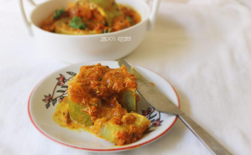 Stuffed Bottle gourd curry | Lauki Musallam