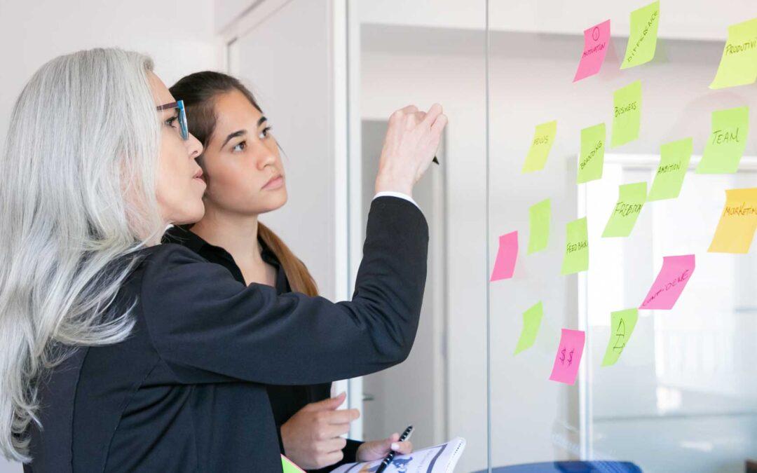 Diferencias entre OKR y BAU: Cómo diferenciar la estrategia del trabajo del día a día