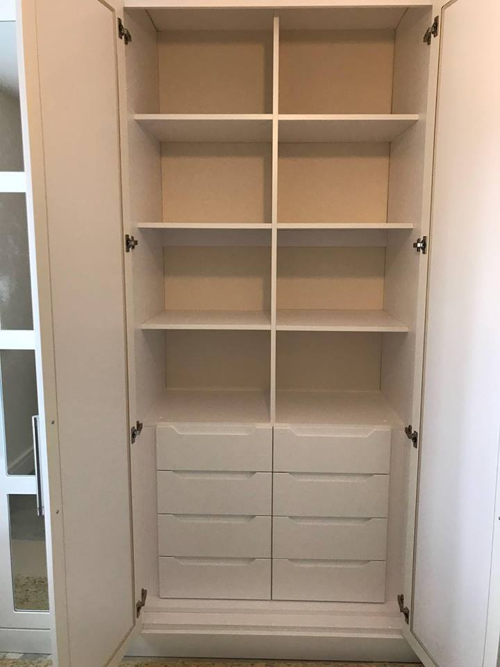 Combination of internal drawers and box shelving