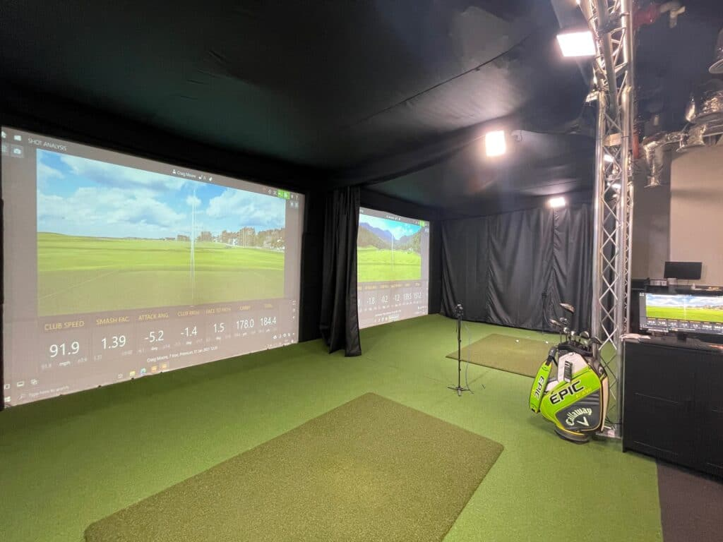 Tee Box London practice facility for beginners and skilled golfers