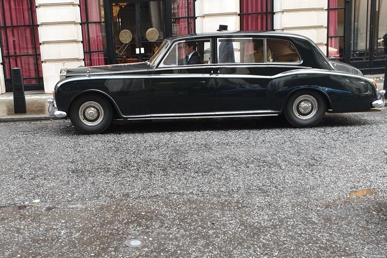 Luxury and Classic Private Car Hire - The Gentleman's Carriage Service