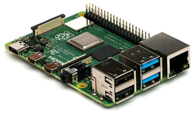 Raspberry Pi 4 micro computer