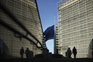 « Si la tentation est d'accuser le projet européen en lui-même, cela serait une erreur. Malgré des attentes croissantes envers elle, l'Union européenne seule ne peut pas faire grand-chose face à une urgence sanitaire. » (Siège de la Commission européenne, à Bruxelles). Francisco Seco/AP