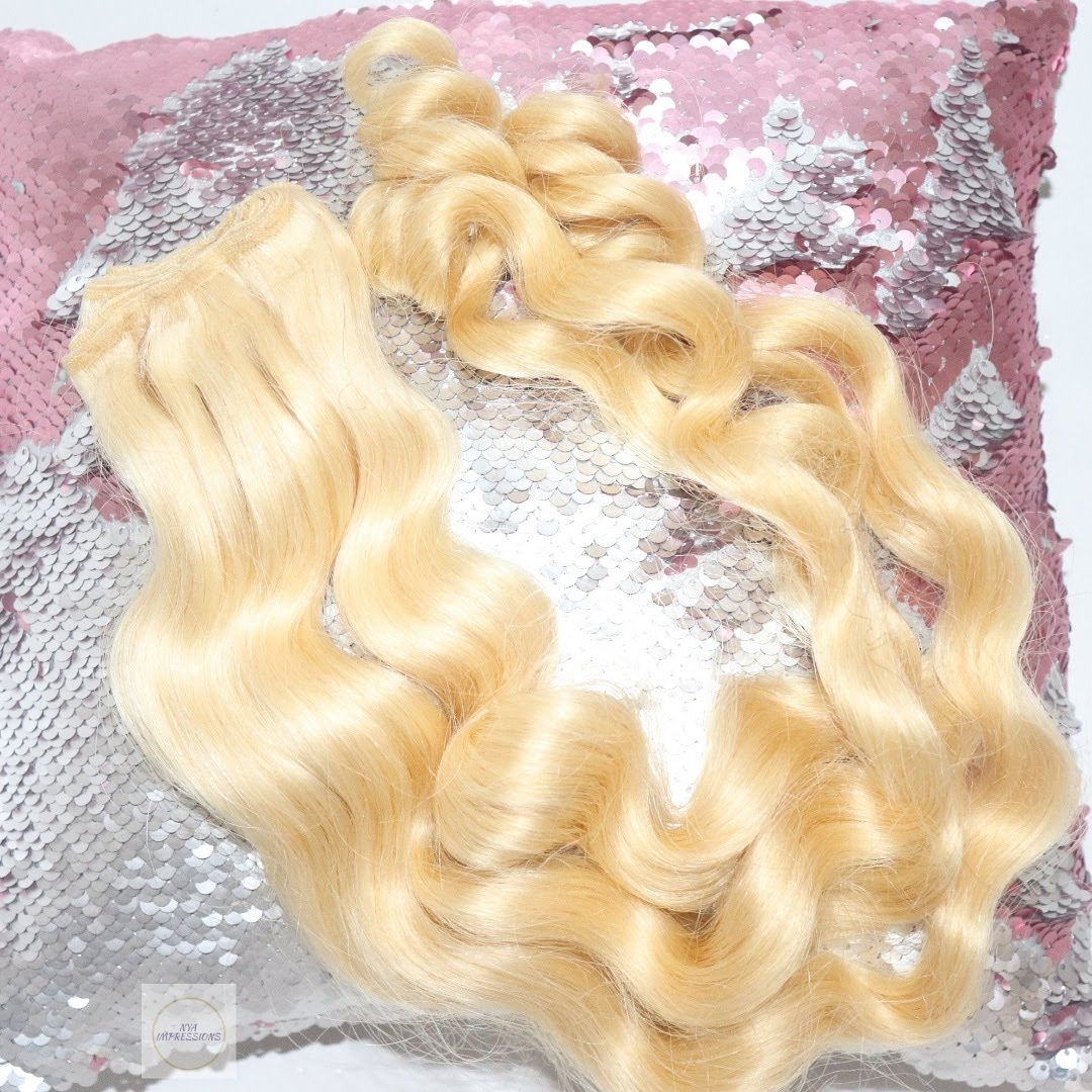 curly blonde extensions