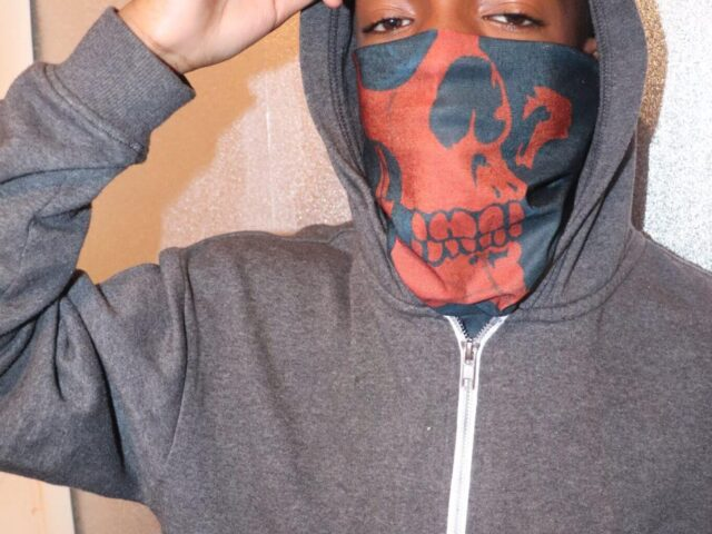 red skull tube bandana UK