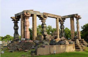 Jami Masjid Warangal Fort. Photo by Moses Tulasi