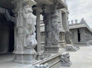Yalli pillars resize 35