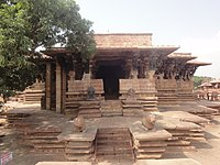 200px Temple Front view