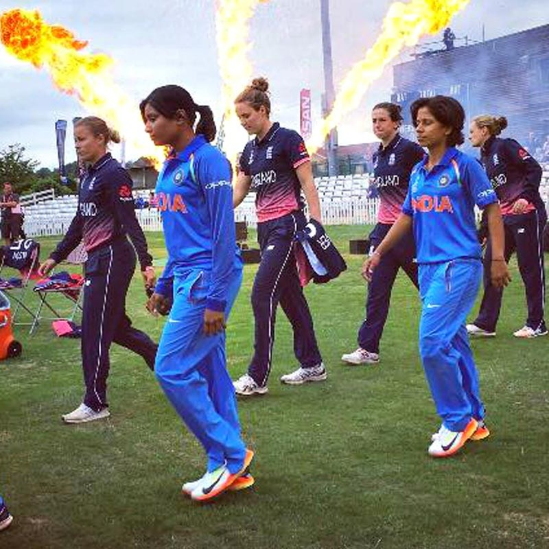 A photo of the India and England teams taking the field during the ICC Women's Cricket World Cup 2017