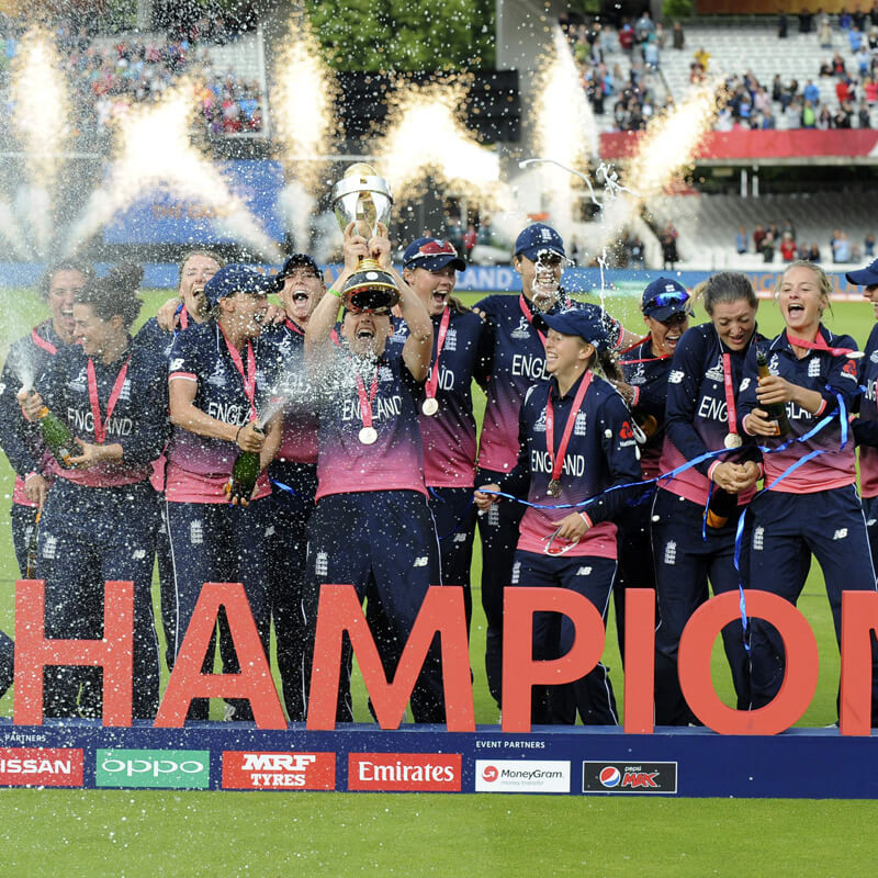 A photo of the triumphant England team lifting the trophy at the ICC Women's Cricket World Cup 2017