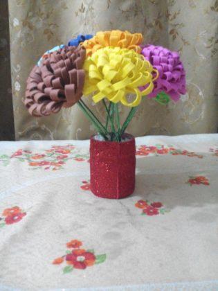 7 Easy Steps To Make Flower Vase From Fomic Sheet