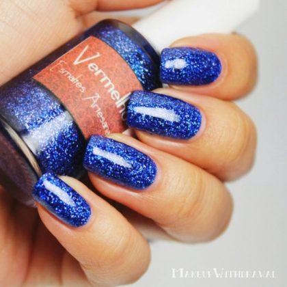 Shiny blue nail art