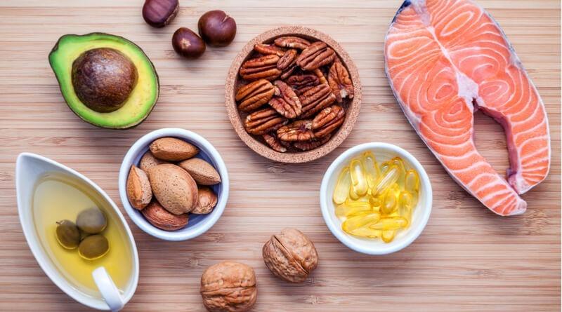 4 Natural Ways To Treat Dandruff