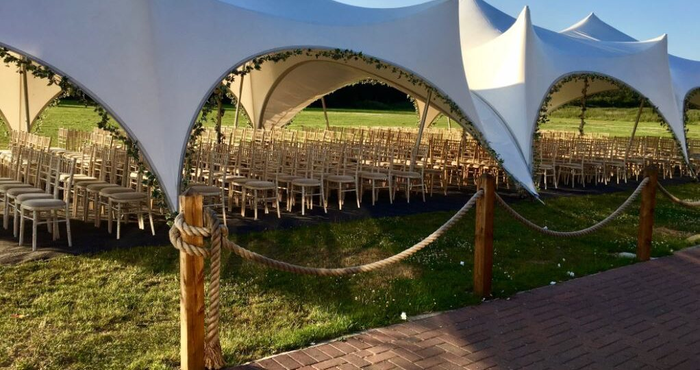 https://secureservercdn.net/160.153.137.14/bhl.be7.myftpupload.com/wp-content/uploads/2020/11/oxford-tent-company-marquee-hire-prices-oxfordshire-e1606214036983-1022x540.jpg