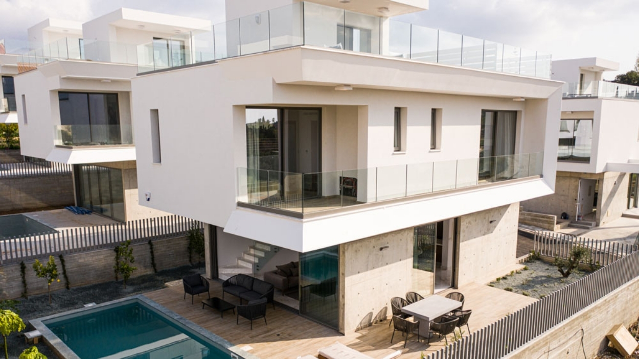 Ocho Residences Feature