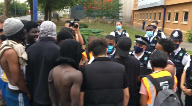 Police arrest 14-year-old, youth workers – Colindale fights back! Join Tottenham BLM protest on Saturday
