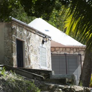 exterior view of Villa Casita, Pehaltun Villas on Laguna Bacalar, Mexico