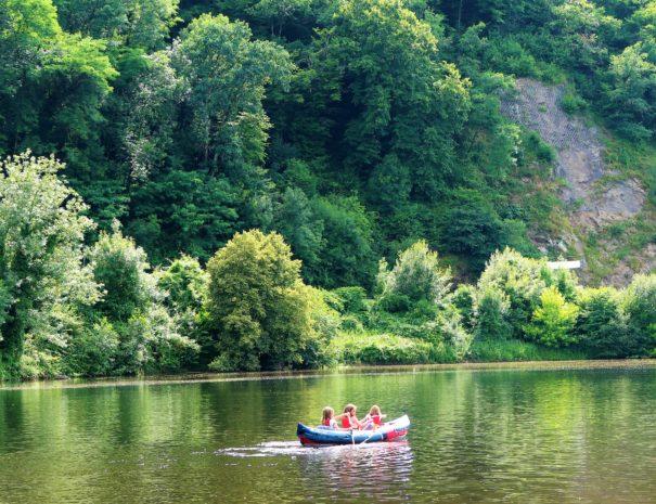 poolside_landscape_canoe