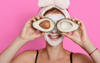 5 DIY Face Mask Recipes That Will Make Your Skin Christmas Ready
