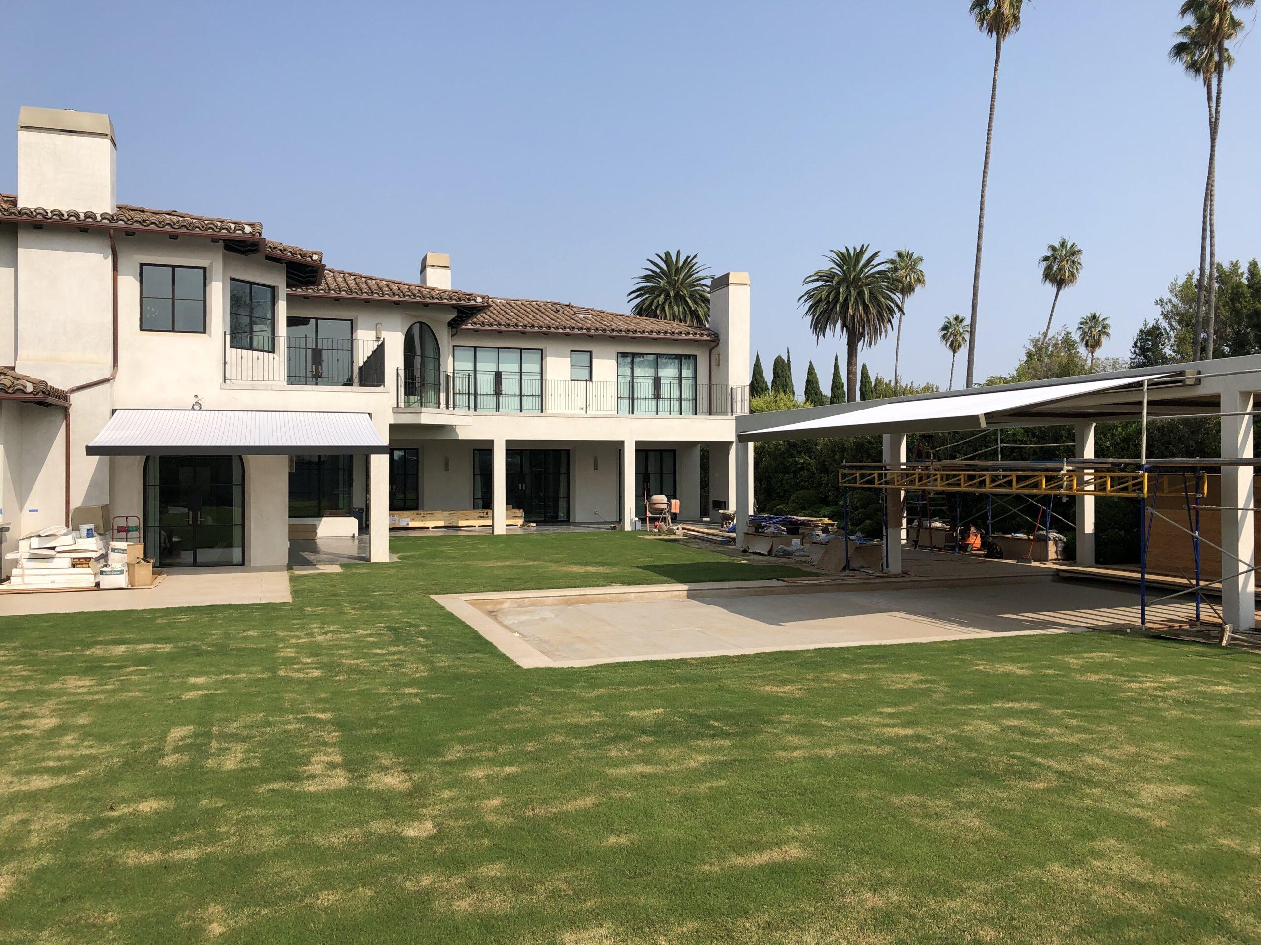 Villa Rockingham - WAREMA K70 and Large slat louvers installed