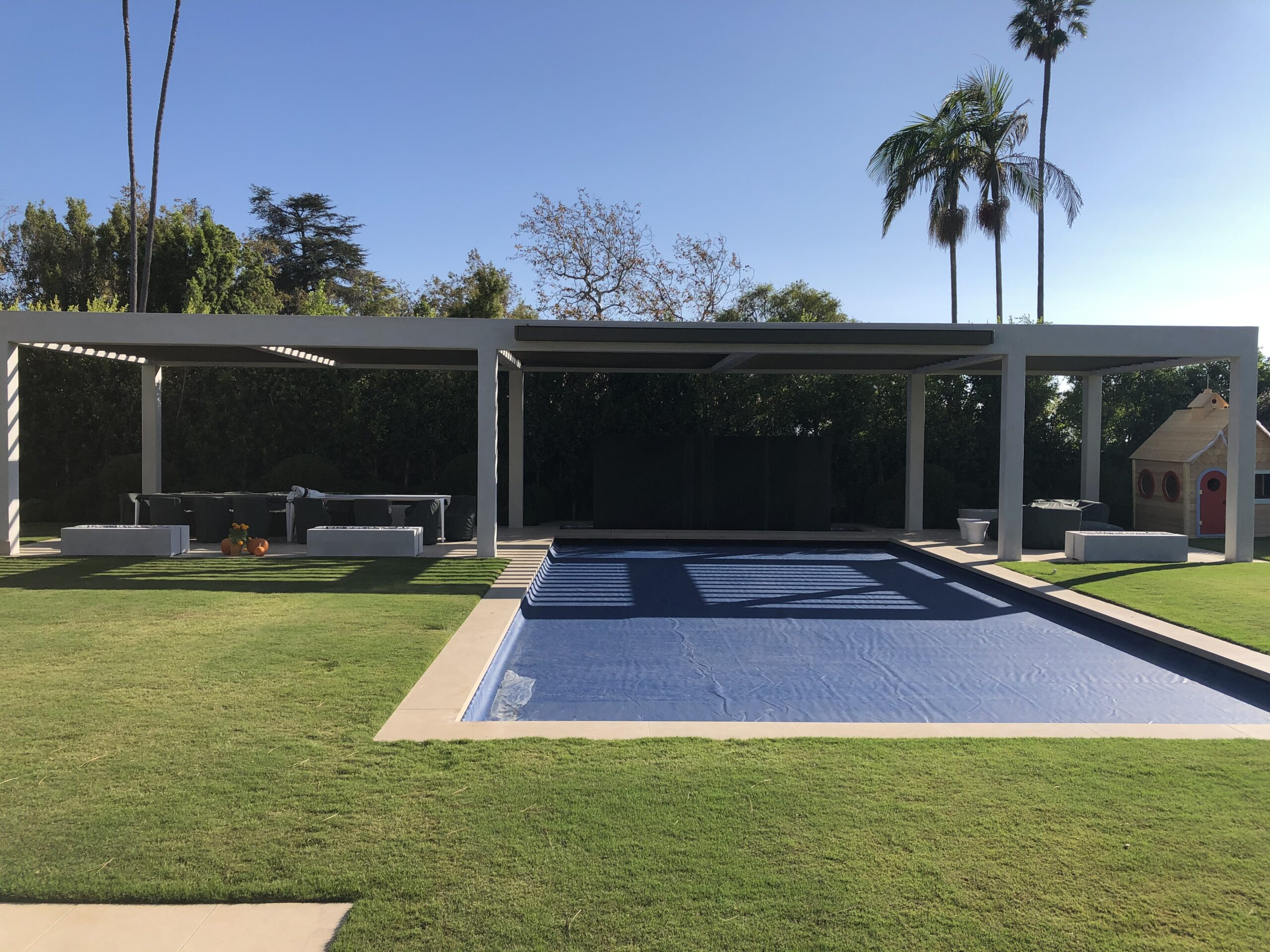 Villa Rockingham - Large Slat Louvres 2