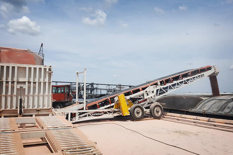 river-terminals-04-Port-of-Nueva-Palmir-Colonia-Urguaya
