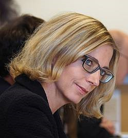 Prof. Dr Irmgard Männlein-Robert