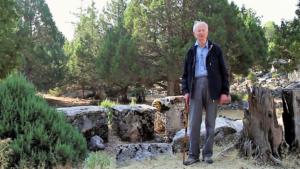 Martin Ferguson Smith with the Epicurean Inscription of Diogenes in Oenoanda