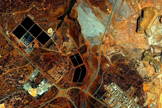 Detail: Fimiston Open Pit, Kalgoorlie-Boulder, Australia