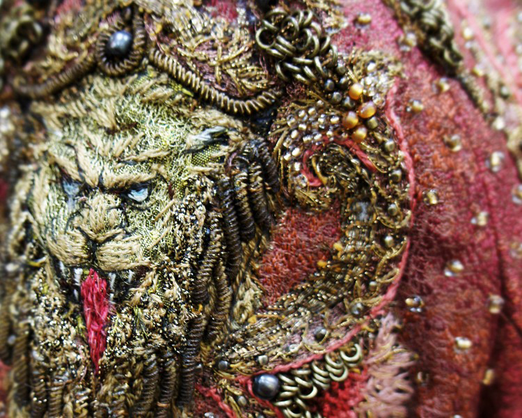 4 - CERSEI NEW LION EMBROIDERY BY MICHELE CARRAGHER