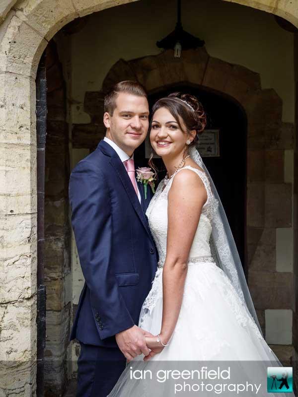 sarah and neil, Wedding Photographs taken at Aldwark Manor, Yorkshire professional wedding photographer, aldwark manor photographer, york, ian greenfield photography