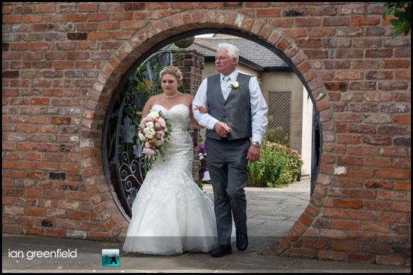mount pleasant hotel doncaster (4) bride father