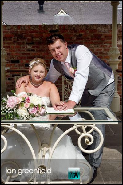 mount pleasant hotel doncaster (6) signing wedding register