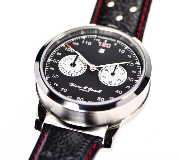 Boston-and-swell-watch-close-up-black