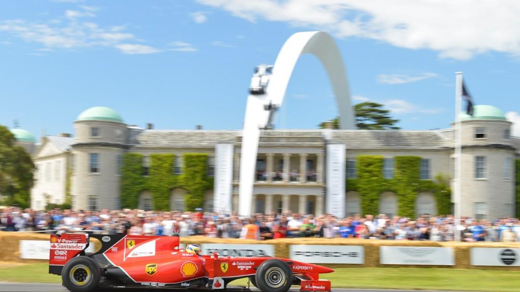 2014-Goodwood-Festival-of-Speed-Sculpture-Mercedes-Benz