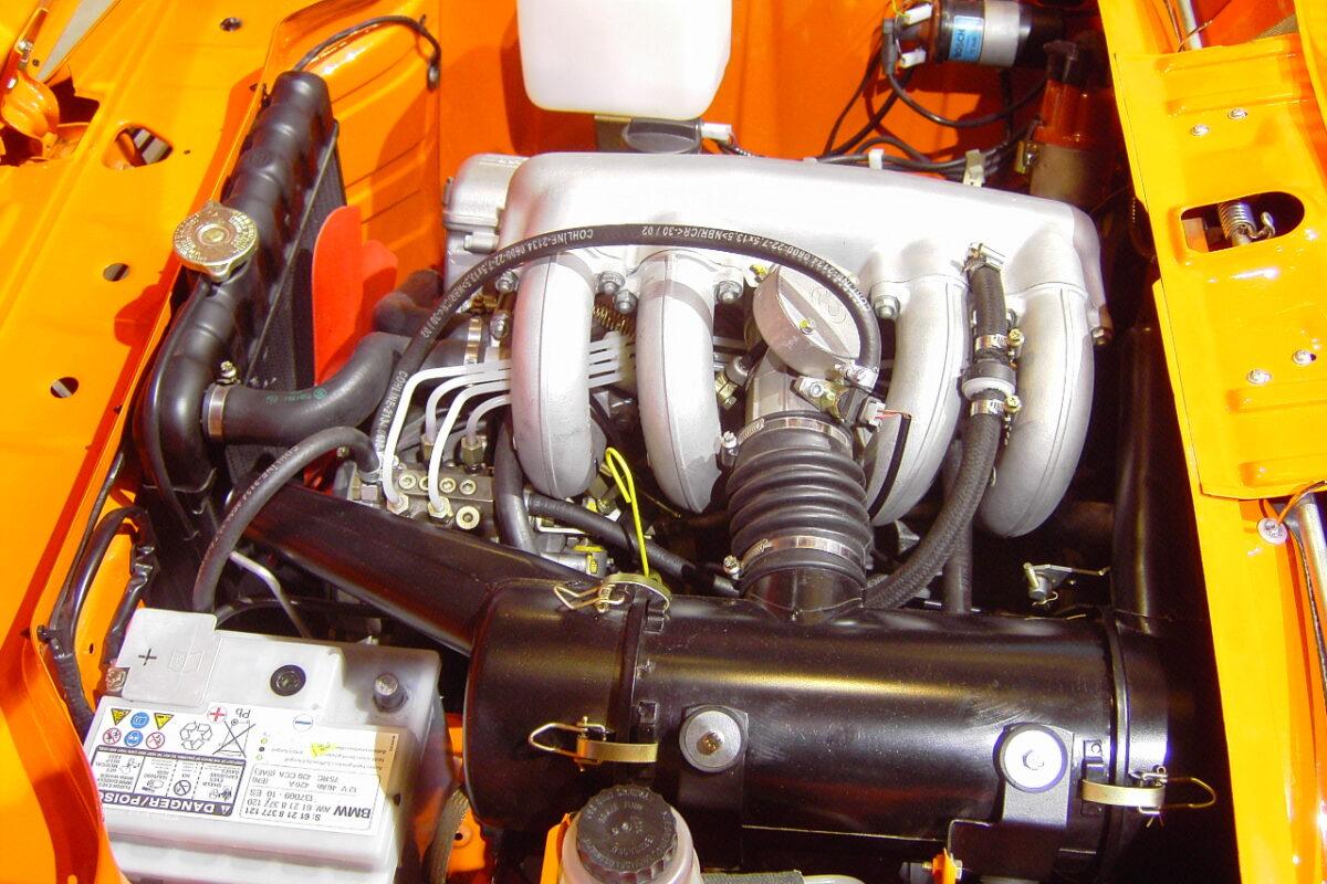 BMW 2002 Tii Engine bay