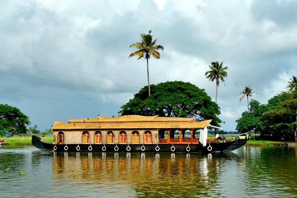 House-Boat-Vembanad-Lake