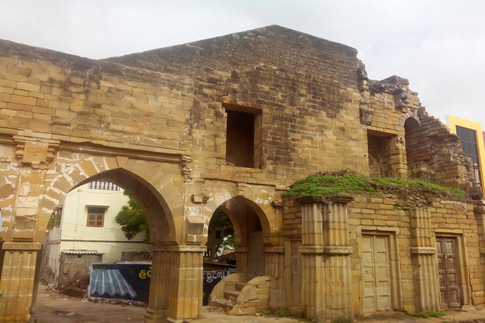 Ruins of fort wall and gate near Brahmapuri area