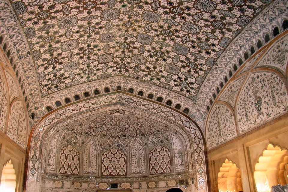 Sheesh Mahal - interiors