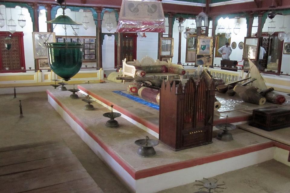 The pleasure room of Rao Lakhpatji in Aina Mahal
