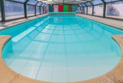 Court-Farm-Holidays-Swimming-Pool