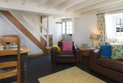 Court-Farm-Holidays-Wheelwright-Cottage