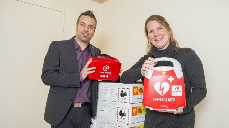 defibrillateur sauver secours AED