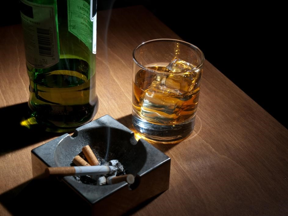 Spotting Alcohol-Use Disorder in Family