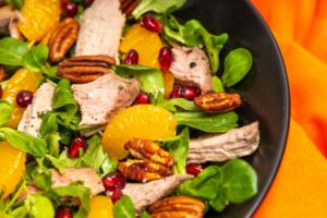 Salată cu piept de rață și mandarine