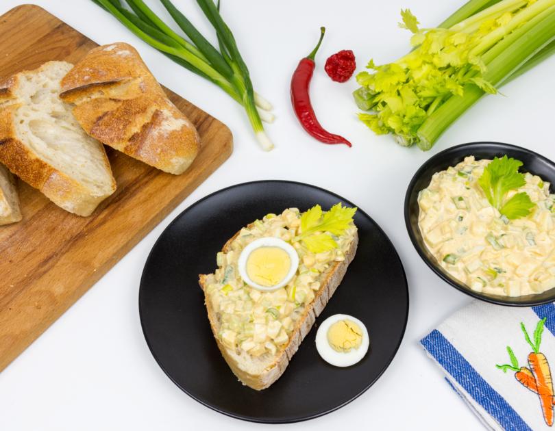 Salată de ou cu țelină apio
